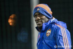 Экс-футболист ЦСКА Думбия отказался переходить в китайские клубы